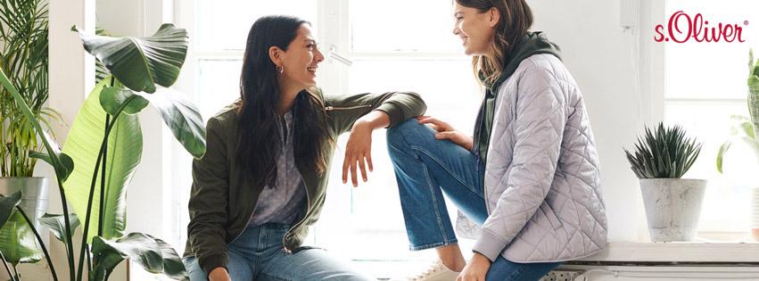 Lässige Jacke in Olivegrün sowie graue Stepjacke, dazu passend: Jeanshose